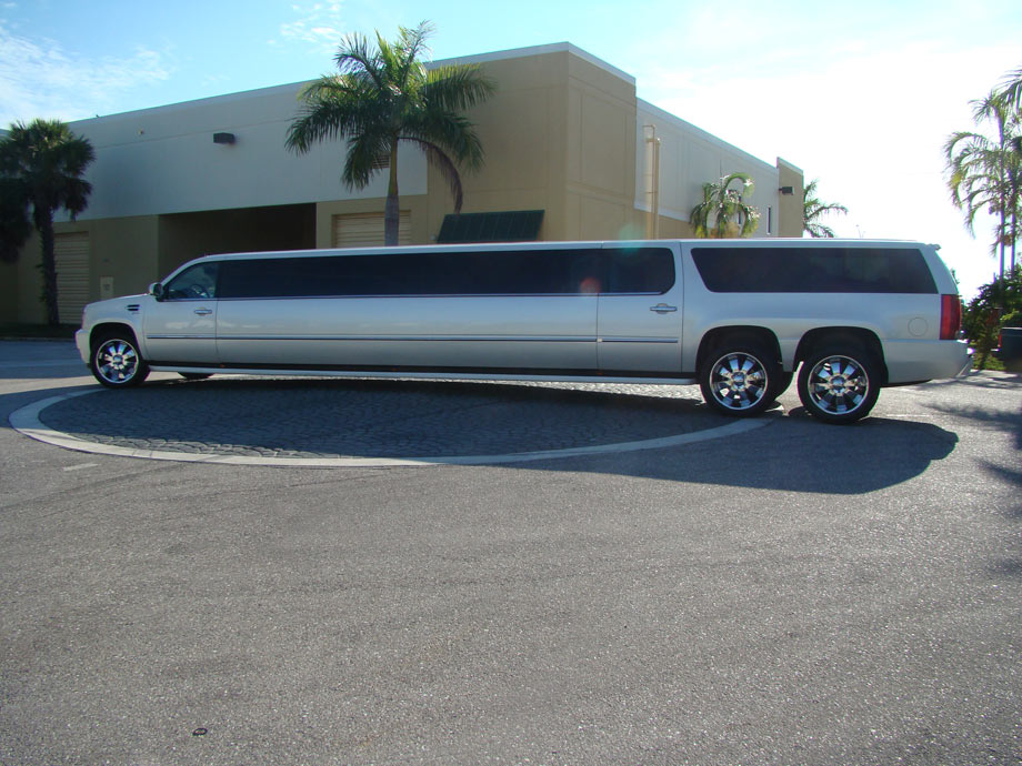 Miami Attractions And Family Tour In A Miami Limousine